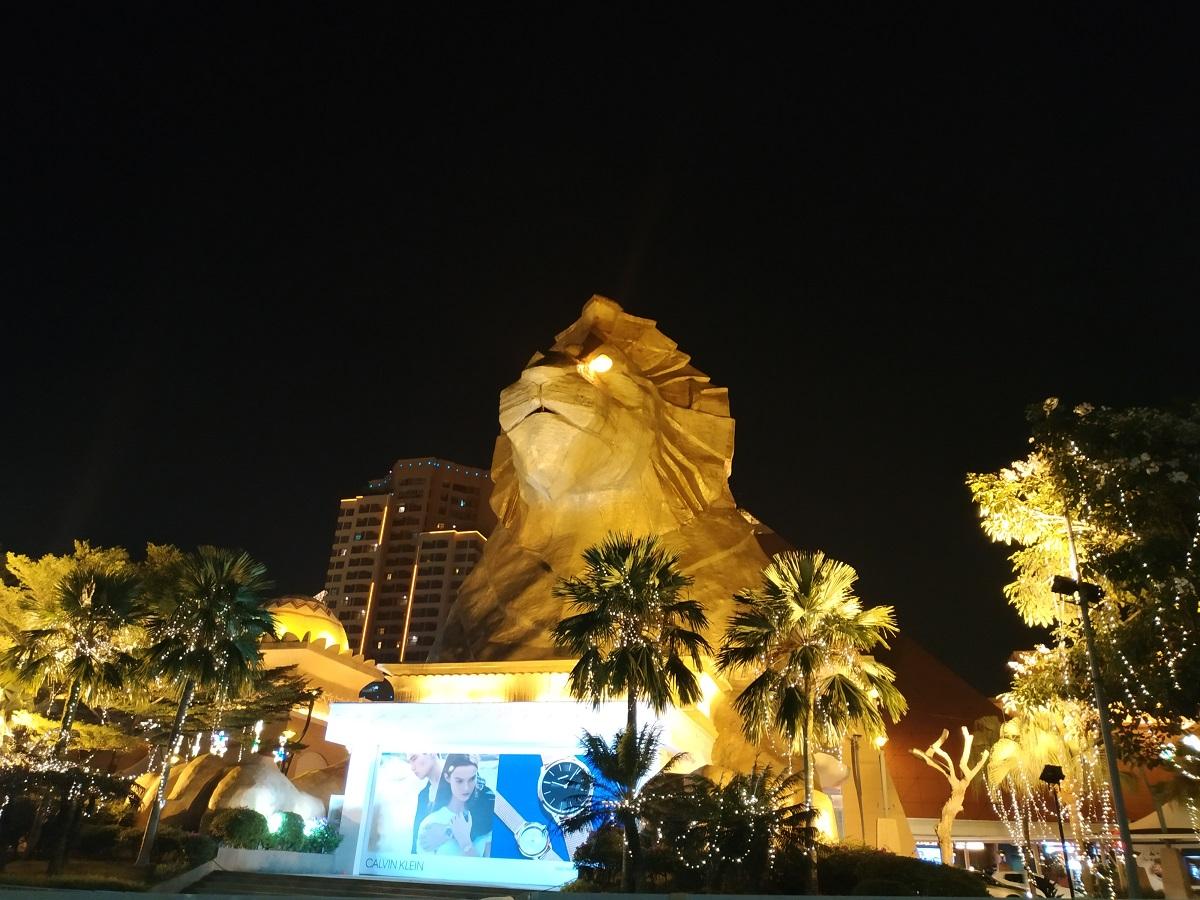 Sunway Pyramid view at night
