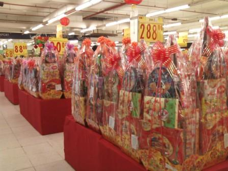 Buying CNY Hampers