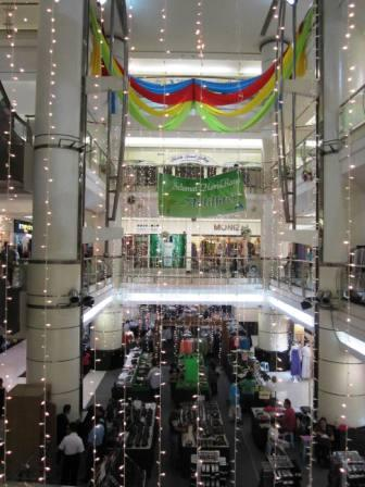 Shopping at Amcorp Mall Petaling Jaya- less crowded and sometimes got bargain items