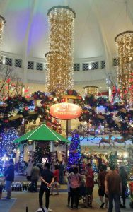 Christmas deco at The Curve