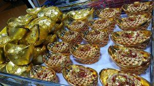 Mr DIY CNY deco gold nugget
