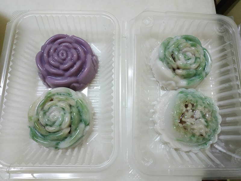 Jelly mooncakes