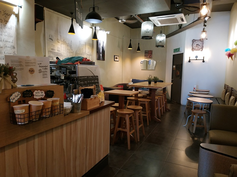 Nice ambiance at a cafe in Taipan USJ- nice coffee too, Rach Desserts