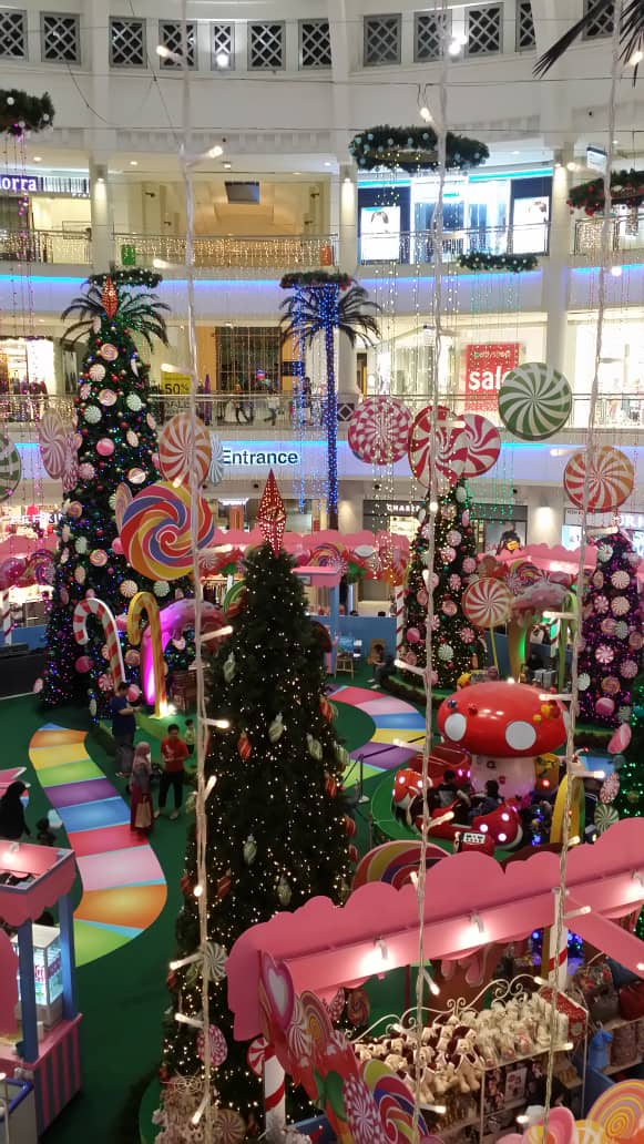 Christmas Decoration at the Curve Mutiara Damansara