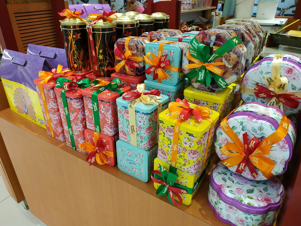 Famous Amos gift wrapping