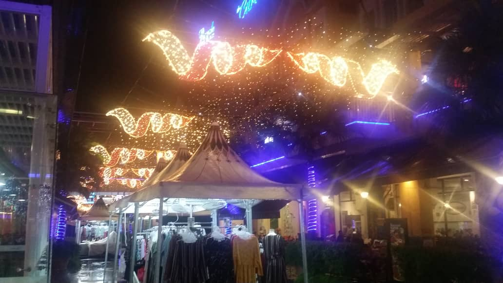 Christmas deco at ecurve Mutiara Damansara
