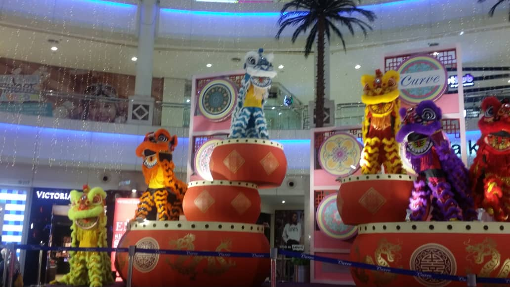 CNY Deco at the Curve